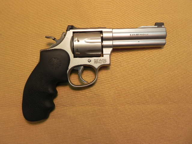 4109 - Smith and Wesson 686 L Frame Revolver