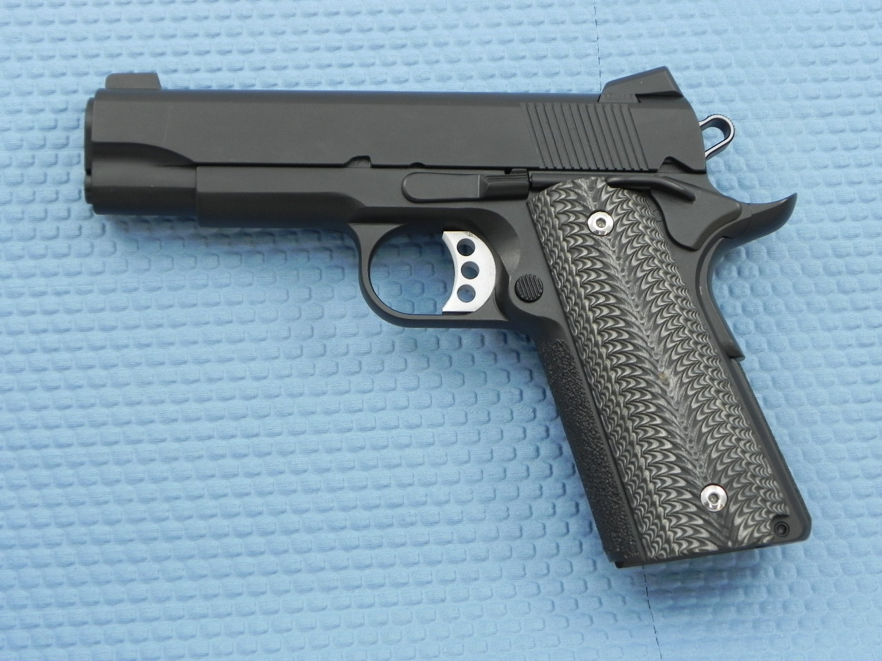 0042 - Cylinder and Slide 1lb 9 oz!! 1911 Lightweight Commander in 9mm