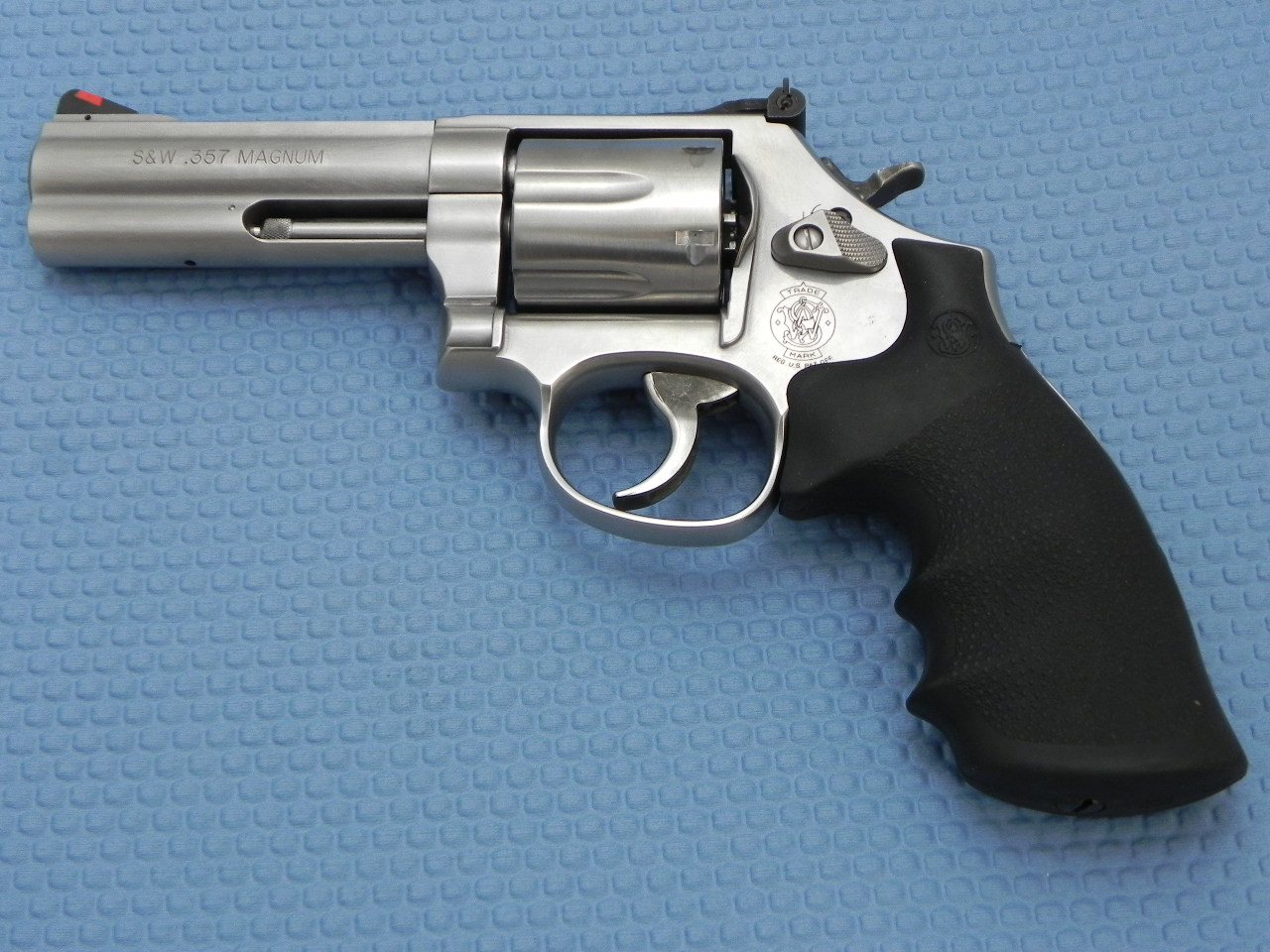 S&W 2020 - Smith and Wesson Revolver Class